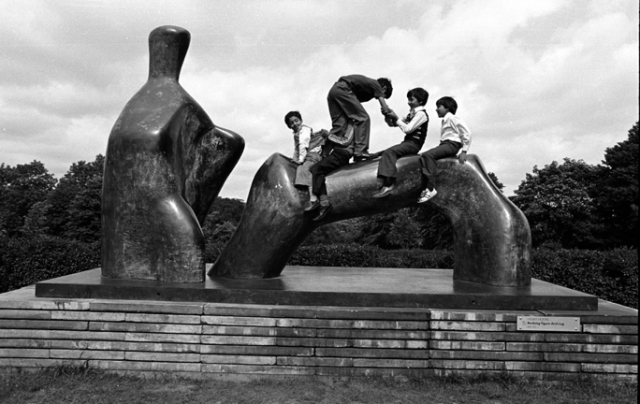 Henry Moore's Reclining Figure, Lister Park