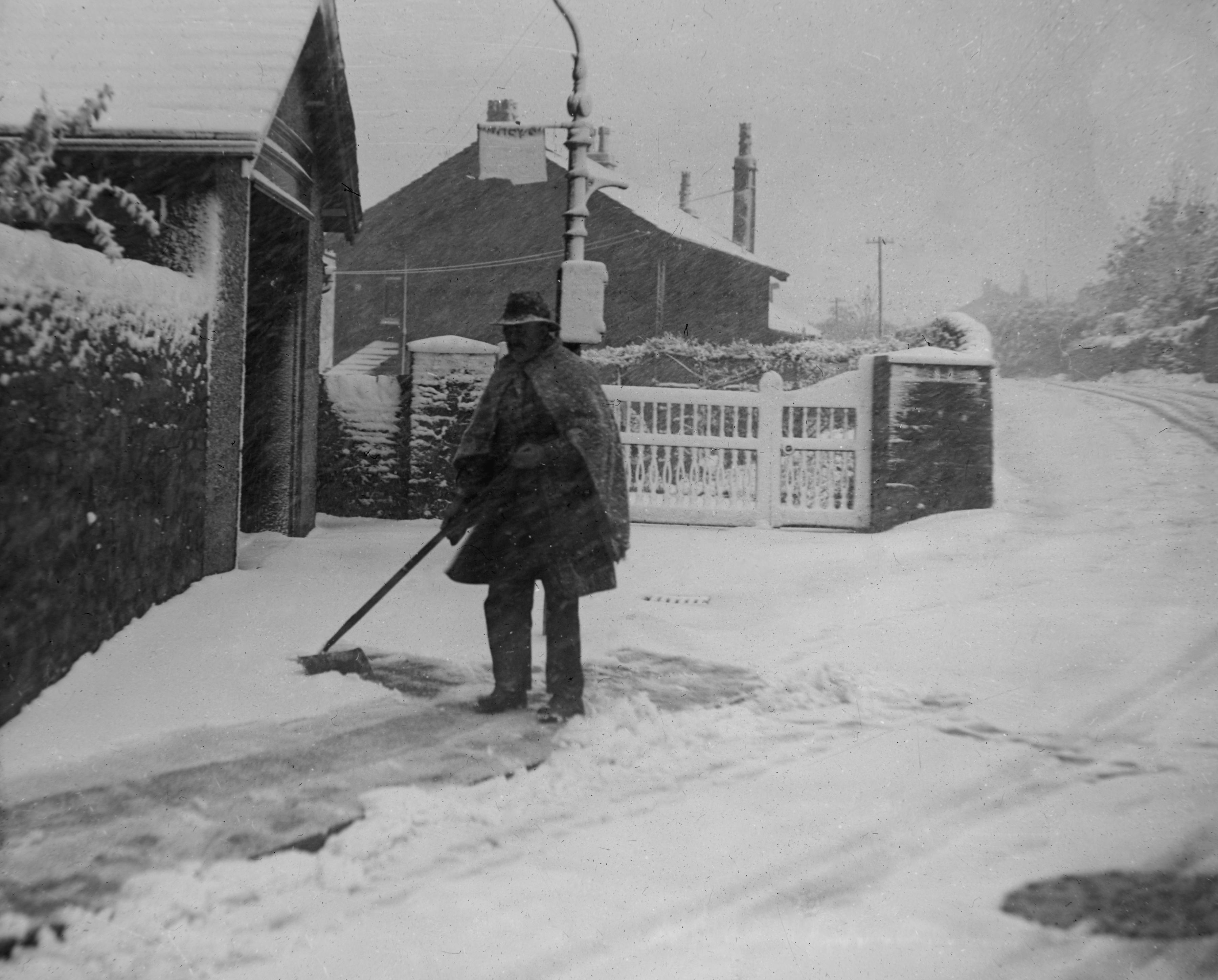 Snowstorm at Riddlesden, May 17th 1935.